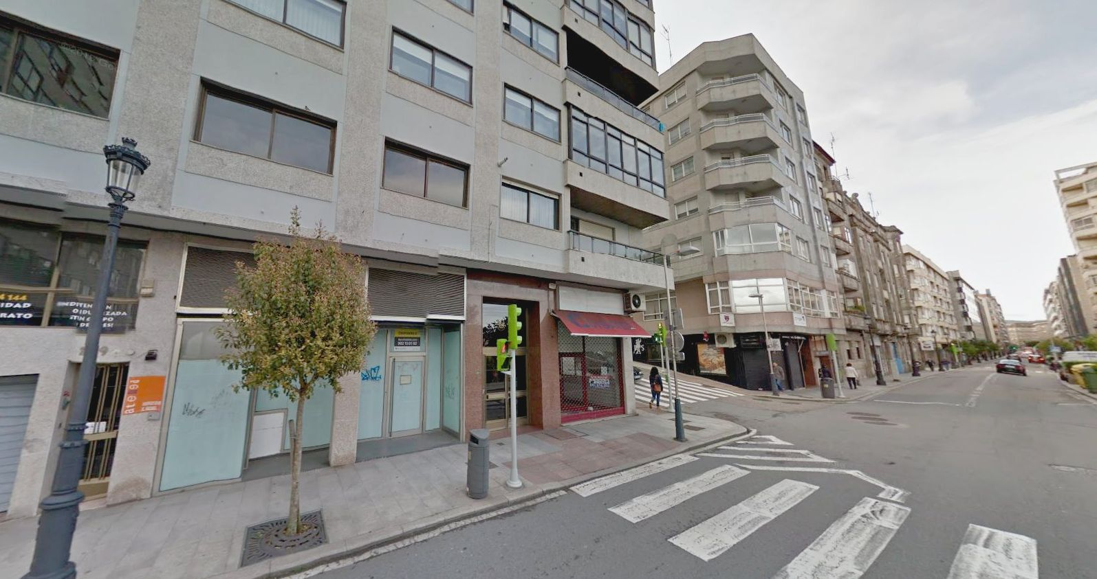 LOCAL COMERCIAL EN PI Y MARGALL (VIGO)