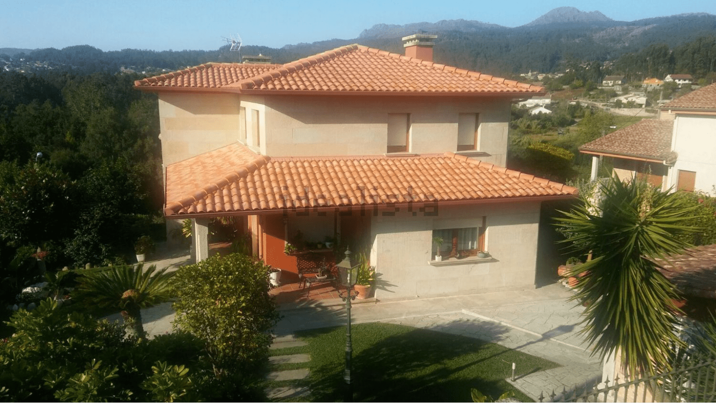CHALET INDEPENDIENTE EN GONDOMAR